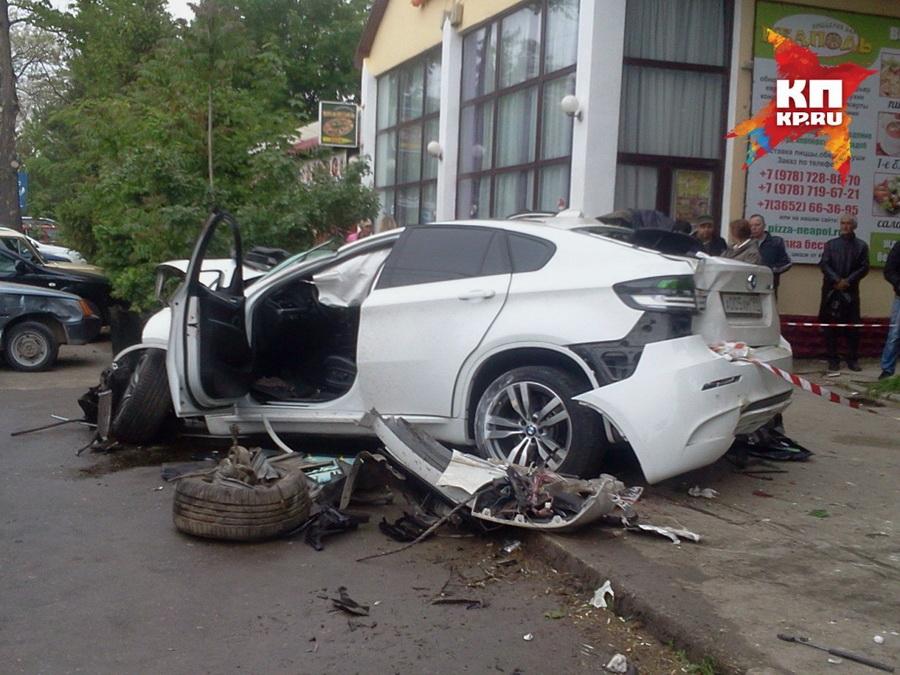 bmw_X6_crash_8