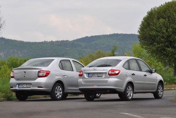 Hátulról is látni, hogy a Logan szélesebb autó, mint a kiskocsis alapú Granta