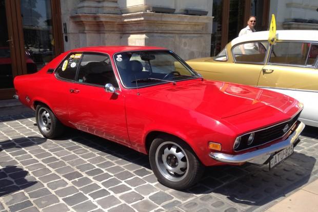 A Ford Capri fő konkurense volt a Manta A