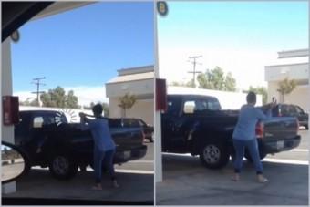 Baseball-ütővel támadt vásárlójára a benzinkutas
