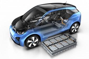 Erősebb akkuval messzebbre megy a BMW i3