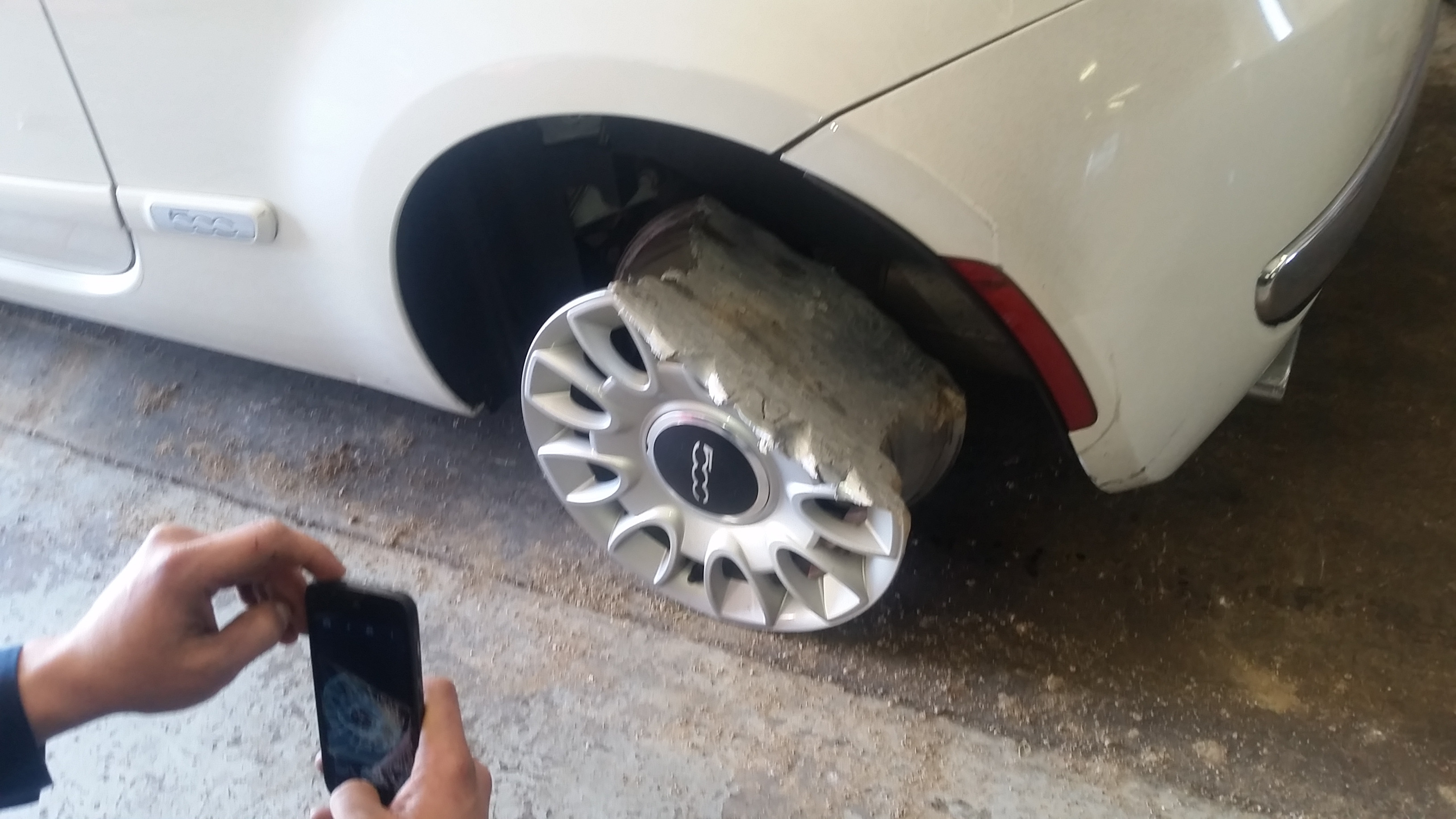 Ez nem olasz dizájn, ez autóvezetői hülyeség