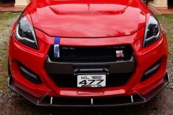Nissan GT-R-nek hiszi magát a kis Suzuki