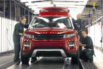 Óriási globális visszaesés jön az autógyártásban