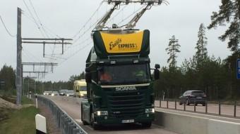Elektromos kamionokat tesztelnek a svédek