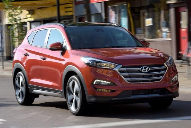 Legjobb crossover: Hyundai Tucson és Nissan Murano A Murano európai pályafutásának rég vége, a Tucson ellenbenannál is erősebben pörög, mint amikor ix35-ként ismertük