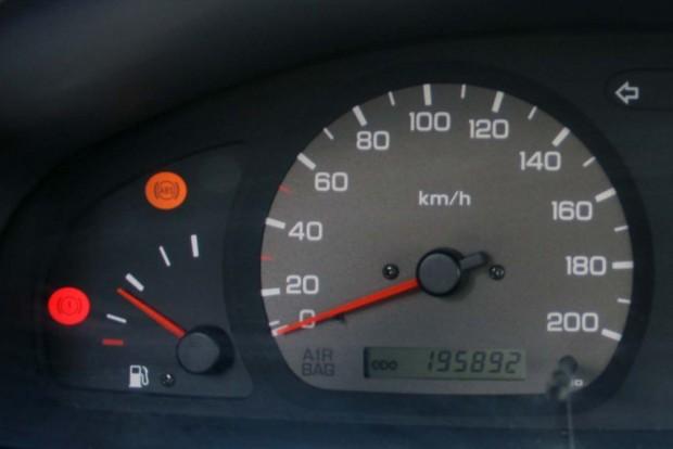 kilométeróra 1000x700