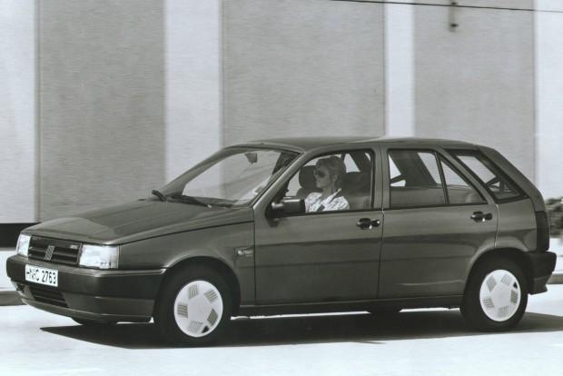 Hosszúsága centire azonos az első Fabiáéval, mégis tágas kompakt autó volt az 1988-1995 közötti Tipo