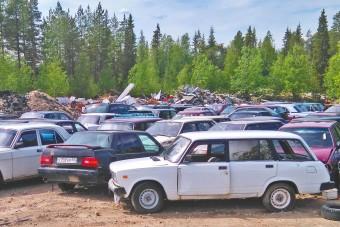 Migránsok autóit árverezik egy finn faluban