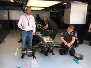 F1: Titkokat láthatott magyar pilóta a Mercedes garázsában