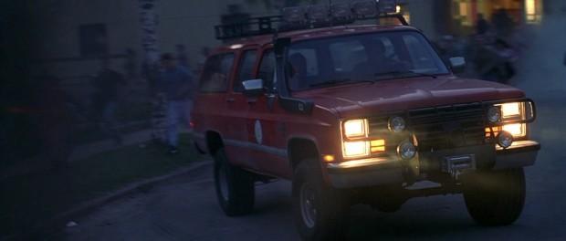 Ez az autó is jegyezhet egy átkelést, de láva helyett csak szélvédőig vízben gázolva mentette meg utasait