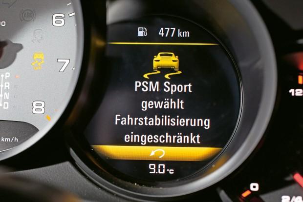 Csak a Nissan 370Z-ben nincs köztes fokozata a menetstabilizálásnak. Ki vagy be, ezt kell eldönteni