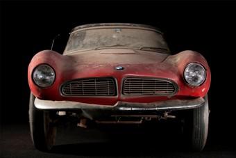 Felújították Elvis Presley BMW-jét