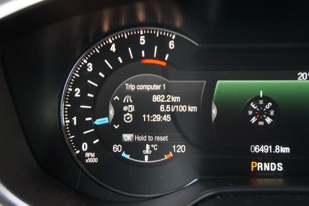 A kútnál mérve hét liter volt az átlag. 16 mázsás, nagy autó, Euro 6-os - nem rossz érték