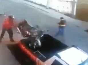 15 másodperc alatt tette platóra a motorját