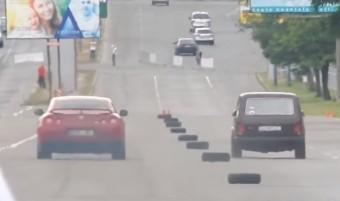 Nissan GT-R-t gyorsult le ez a Lada Niva