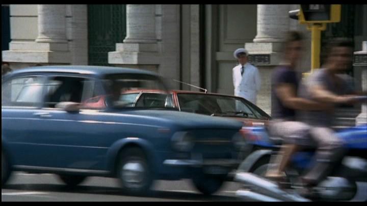 Csak egy villanásra a legendás Piedone a zsaru (1973) című filmben