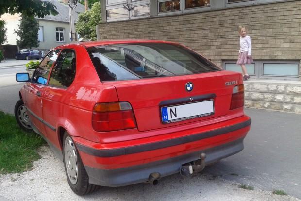 E36, E46, E90: mindegy, csak 3-as BMW legyen