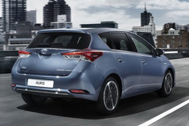 Alsó-középkategória: Toyota Auris (Škoda Octavia, Hyundai i30)
