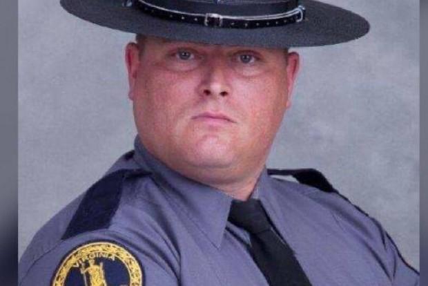 Felettesei szerint Goodwin járőr hősként viselkedett, amikor saját életét kockáztatva mentette meg a gyermeket.