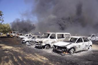 422 autó égett ki egy parkolóban