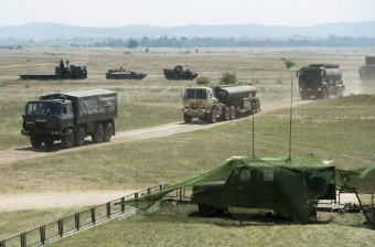 Figyelem, katonai konvoj a magyar autópályákon
