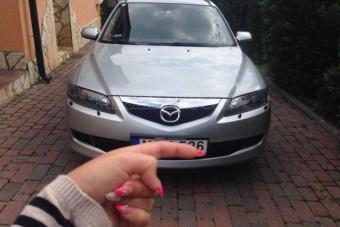 Elmés trükkel takarja rendszámát egy magyar autós