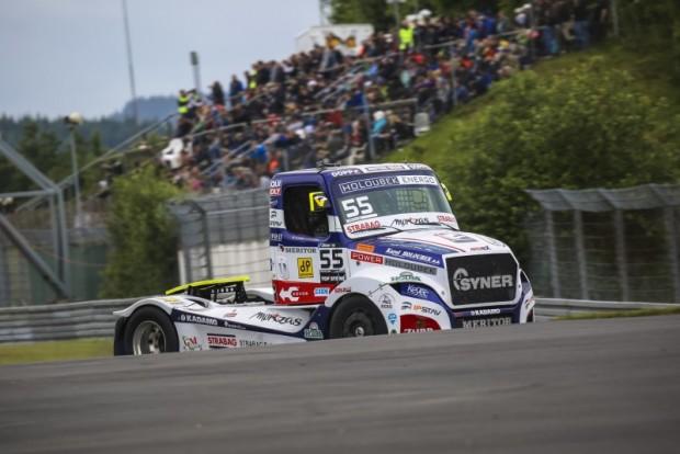 A cseh Adam Lacko kamionja megjelenésével is kitűnik a mezőnyből