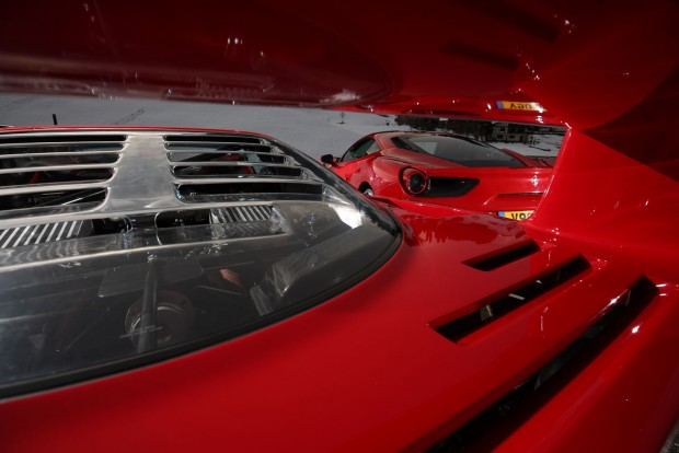 478 lóerős a V8-as F40-es