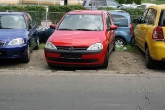 Használt autó: mit vegyen egy kezdő?