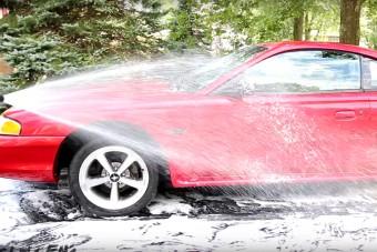 Így mosd le tökéletesen az autód