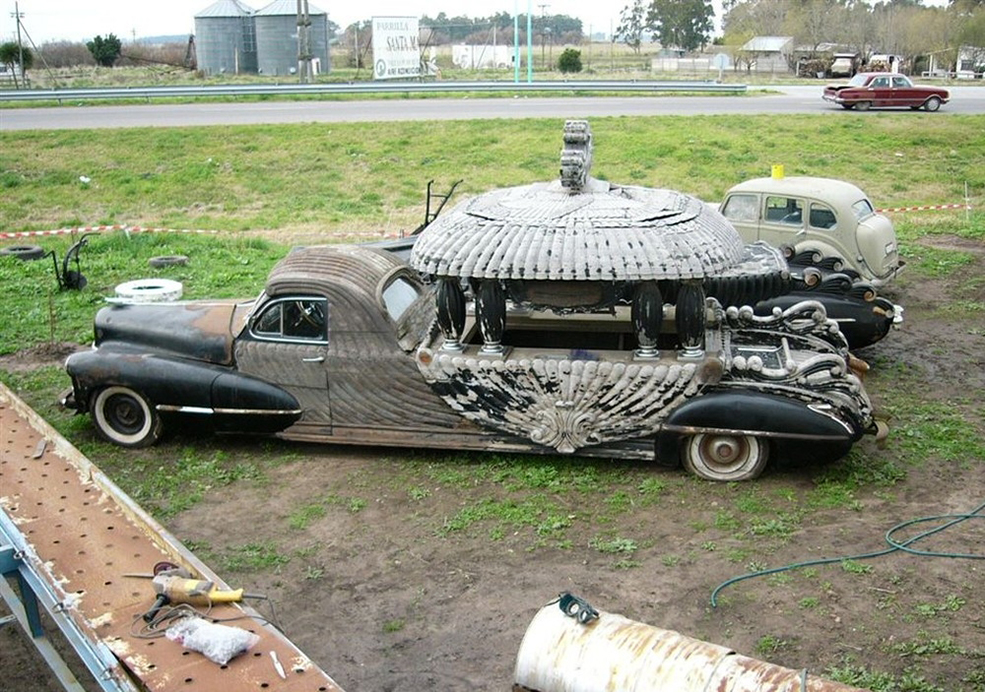 strange-crazy-funeral-vehicles-cars-04
