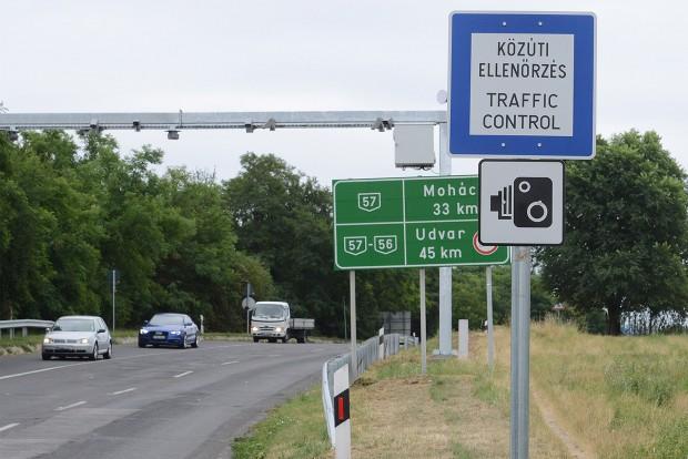 Jól kitáblázott sebességmérés. Kérdés, ha már a táblát látjuk, megúszhatjuk-e a büntetést?