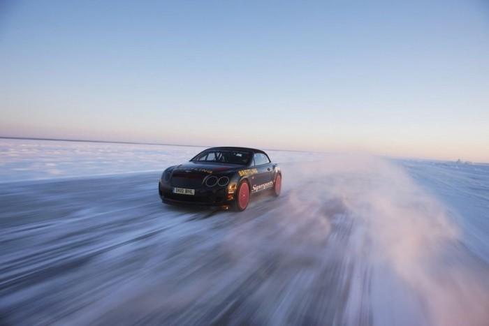 Juha Kankkunen, a finnek négyszeres ralivilágbajnoka 2011-ben sebességi rekordot állított föl, Finnország partjainál. A befagyott Balti-tenger jegén egészen 330,695 km/óráig kergette el a Bentley Continentel Supersports kabrió sebességmérőjét. A sikeres kísérlet egy 16,5 kilométeres szakaszon zajlott. A 70 cm vastagságú jégen úgy kellett gyorsítani, hogy a Finn Rendőrség által mért 1000 méteres szakaszra elérje a maximális sebességet. Két ellentétes irányba megtett próba eredményét átlagolták, amit a Guiness Rekordok Könyvének képvislői hitelesítettek. Eközben meg kellett küzdenie a mínusz harminc fokos hőmérséklet, a hirtelen hóviharok és az oldalszél okozta nehézségekkel.