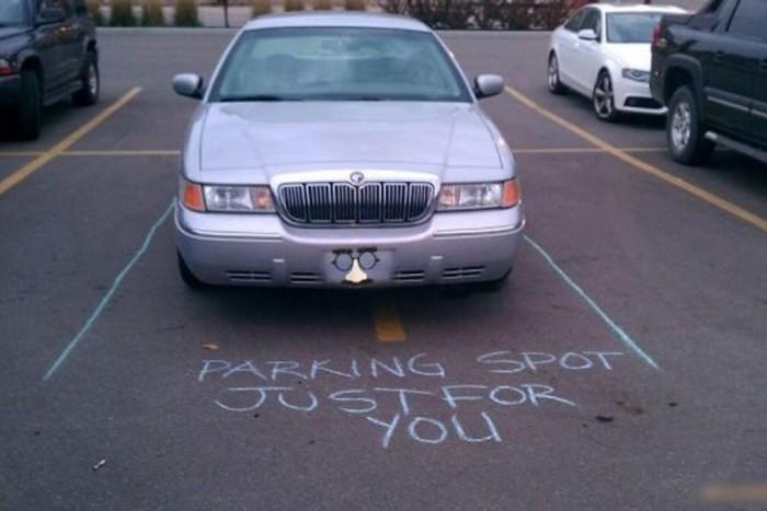 """6.- Ez a legjobb! """"Parkolóhely, csak neked!"""" :)"""