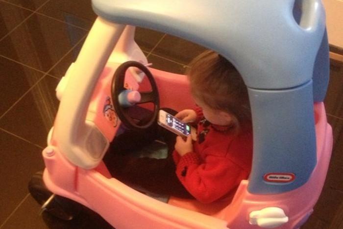 15.- Végezetül pedig: soha ne telefonálj vezetés közben! :)