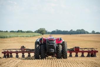 Önvezető traktor a jövőből