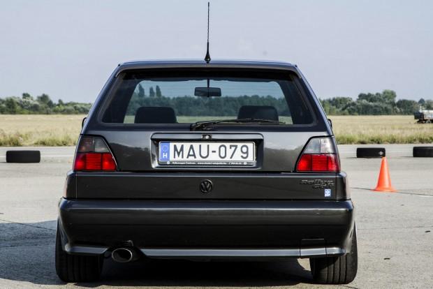5000 db Golf Rallye készült Belgiumban, kézi munkával. Az A-csoportos raliautók homologizációjához ennyi volt az előírás