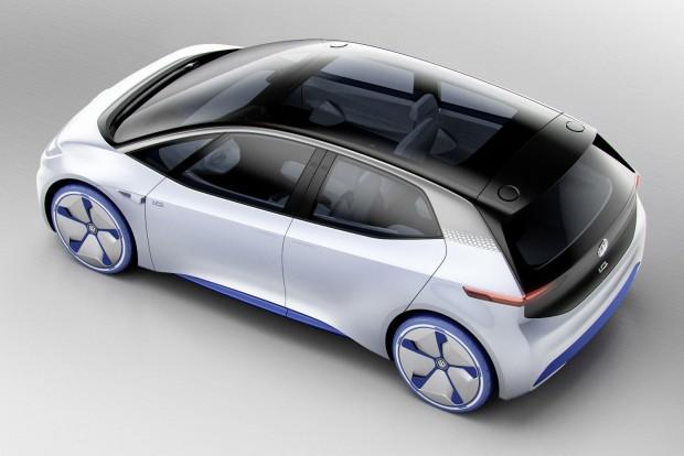 Autonóm közlekedésre is képes lesz az autó. A 2020-as piaci bevezetéskor még nem, ám 2025-től a sofőr beavatkozása nélkül fogja tudni hurcibálni utasait. Ilyenkor a kormánykerék behúzódik a műszerfalba.