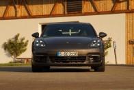 Lamborghinit, Bentley-t és Porschét árverez a NAV – Tudjátok, kié volt? 7