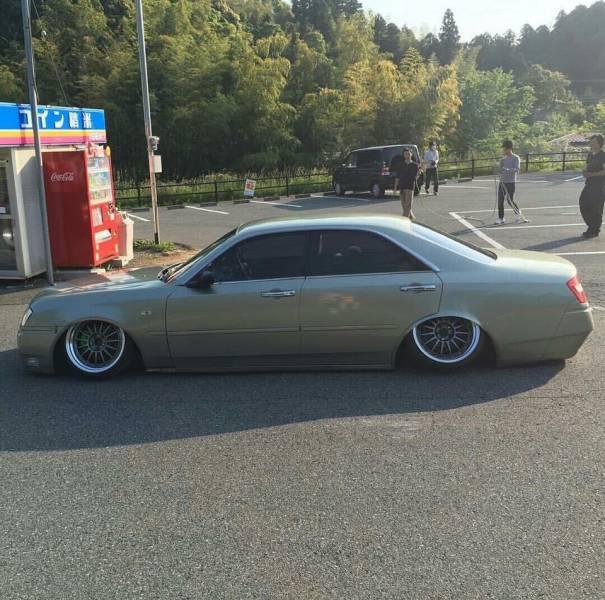 problems_of_having_a_slammed_car_640_02
