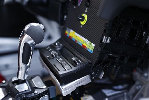 Hatfokozatú a PDK váltó. Az ABS állítható