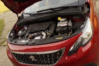 A franciák 2025-től leállnak a benzines autókkal