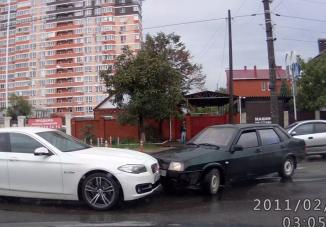 Mint két dühös kos ütközött a Lada és a BMW