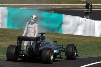 F1: Kiderült, miért durrant el Hamilton motorja