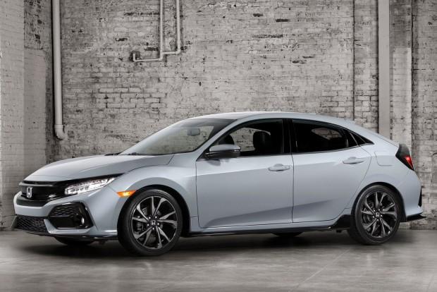Honda-Civic_Hatchback-2017-1600-01