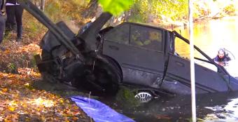 Folyóból húzták ki a 28 éve ellopott kocsit