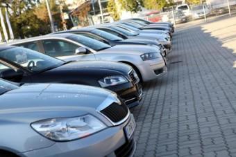 Csaló magyar autókereskedőre csapott le a NAV