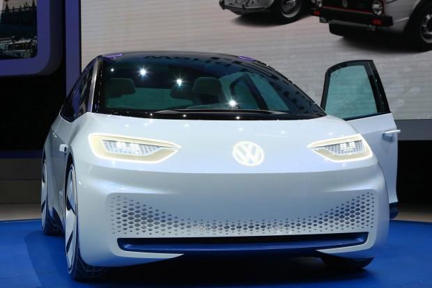 410x180x153 centi: az autó rövid, széles és elég magas. Az ID-ben kitűnő a térérzet, mégsem foglal el sok helyet. 275 centi az autó tengelytávja, majdnem annyi, mint egy Passaté