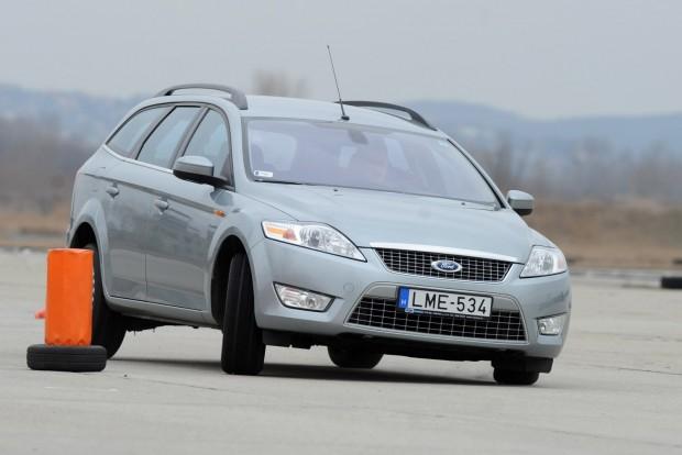 Sok a kombi belőle, a cégek preferálják és a felhasználók is felismerték előnyeiket a korábban erősen limuzinpárti magyar piacon